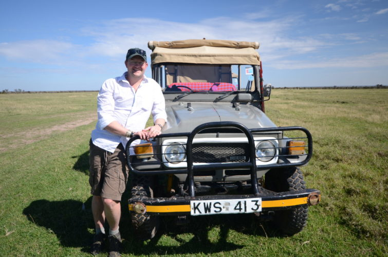 African safari holiday packages offering private guided safaris with Jono Wilson